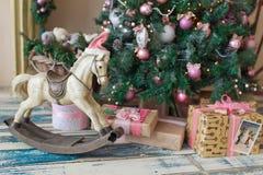 Caballo de madera del juguete de la Navidad Foto de archivo libre de regalías