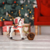 Caballo de madera del juguete, linterna roja y conos Imagen de archivo libre de regalías