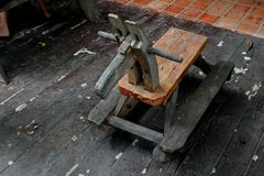 Caballo de madera para que niños se sienten foto de archivo libre de regalías