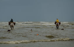 A caballo pescadores 2 del camarón Fotografía de archivo
