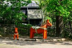 Caballos de Dalarna en el parque Scansen Foto de archivo