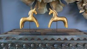 Caballos de madera tallados decorativos Imágenes de archivo libres de regalías