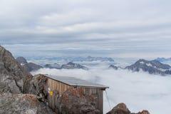 Cabana alpina de Hocheck fotografia de stock royalty free
