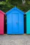 Cabana azul da praia imagens de stock