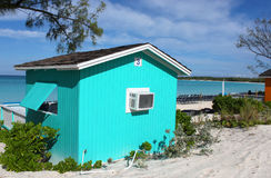 Cabana colorida na praia tropical Fotografia de Stock Royalty Free