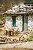 Cabana da montanha do Nepali fotografia de stock royalty free
