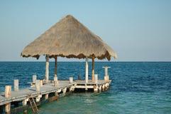 Cabana da palha na doca Fotos de Stock Royalty Free