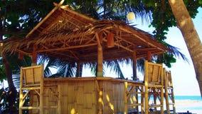 Cabana de bambu pelo mar filme
