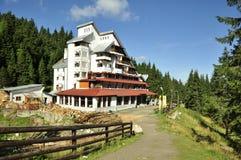 Cabana de berg brengt onder Stock Foto