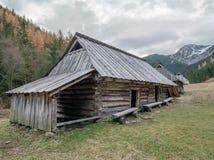 A cabana do pastor de madeira idoso imagens de stock