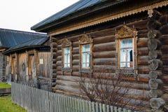 Cabana do registro na vila Fotografia de Stock