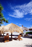 Cabana durch den Strand Stockfoto