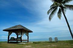 Cabana e 2 cadeiras Fotos de Stock