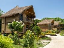 Cabana för hotell för lyxig semesterort, lopp royaltyfria bilder