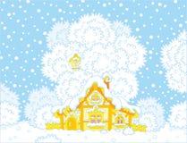 Cabana pequena do log coberto de neve no Natal Fotografia de Stock