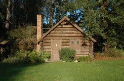 Cabana rústica de madeira fotos de stock