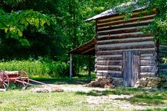 Cabana rústica de madeira no parque da Hagen-pedra Imagens de Stock Royalty Free