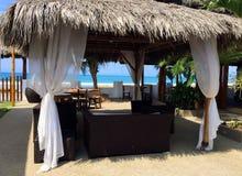 Cabana tropical da cabana do tiki Imagens de Stock