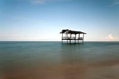 Cabana velha na praia Imagem de Stock