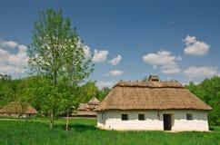 Cabana velha ucraniana do registro Imagens de Stock