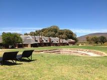 Cabanas africanas do feriado com uma área do braai Imagens de Stock Royalty Free