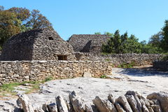 Cabanas da pedra seca em Bories Village, Gordes, França Foto de Stock