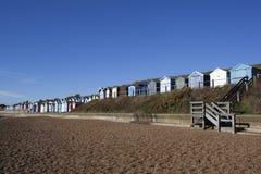 Cabanas da praia, Felixstowe, Suffolk, Inglaterra Imagens de Stock