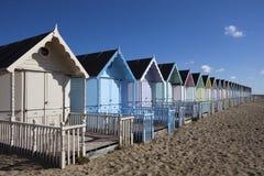 Cabanas da praia, Mersea ocidental, Essex, Inglaterra Fotos de Stock Royalty Free