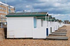 Cabanas de madeira da praia, Bexhill Fotos de Stock Royalty Free