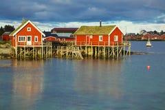 Cabanas norueguesas da pesca imagem de stock
