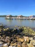 Cabanas på vattnet i Amber Cove kryssar omkring port i Puerto Plata, Dominikanska republiken Royaltyfri Fotografi