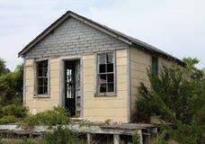 Cabane abandonnée de pêche Photo stock