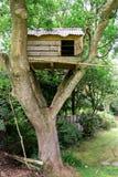 Cabane dans un arbre Images libres de droits