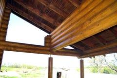 Cabane en rondins, cadre en bois Image libre de droits