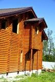 Cabane en rondins, cadre en bois Photos libres de droits
