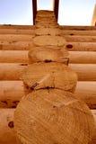 Cabane en rondins, cadre en bois Images libres de droits