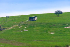Cabane solitaire sur une colline de l'Israël Photos stock