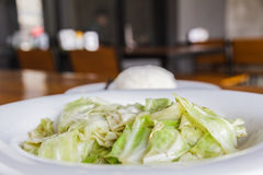 Cabbage stir fish sauce Royalty Free Stock Photography