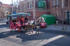 Cabby στις οδούς του νέου έτους Στοκ εικόνες με δικαίωμα ελεύθερης χρήσης