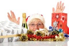Cabeça alegre da mulher, símbolos do Natal Foto de Stock