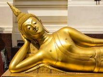 A cabeça da Buda no templo de Tailândia Fotografia de Stock