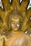A cabeça da Buda no templo tailandês Fotografia de Stock
