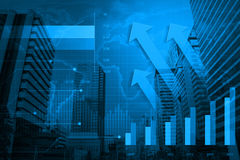 Cabeça da seta com carta e gráficos financeiros, elementos deste ima Fotografia de Stock