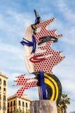 A cabeça de Barcelona ou de tampão de Barcelona que do EL uma escultura surrealista criou pelo artista de PNF americano Roy Licht imagem de stock