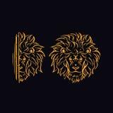 A cabeça de um leão dourado Fotos de Stock Royalty Free