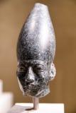 Cabeça de uma estátua de Amenemhat III no museu egípcio em Berlim Foto de Stock