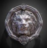 Cabeça do leão do metal imagem de stock royalty free