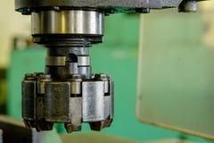 Cabeça do metal da máquina na fábrica Fotos de Stock