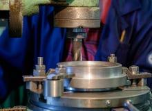 Cabeça do metal da máquina na fábrica Foto de Stock Royalty Free