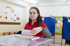 Cabeça grega dos eleitores às votações para a eleição geral 2015 Fotos de Stock Royalty Free